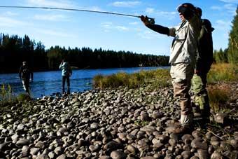 Grunderna i Flugfiske | Kurs på Älvdalen fiske i Dalarna